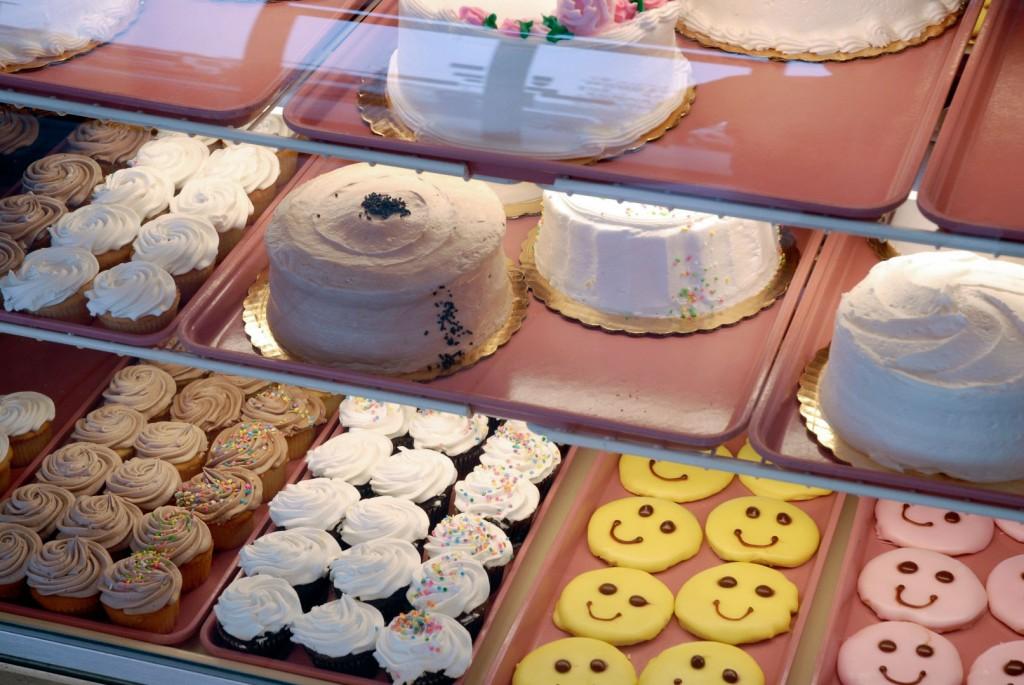 Congratulations graduates classic bakery for Classic house bakery